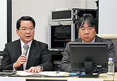 会見する岡野氏(左)と澤氏