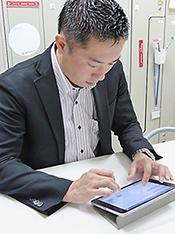 患者宅の訪問の際や移動中など幅広い作業場面で利用できる「ランシステムNEXT」