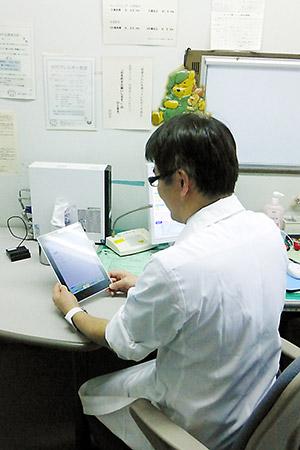 小児科診察室でも指導時に活用