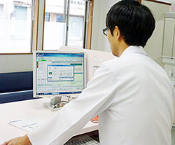 必要な患者情報の見やすい表示が確実な調剤業務には不可欠という