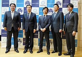 一番左が野田氏、中央が池上氏