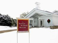 ノーマン・ロックウエル美術館。白い建物は、緑の季節はもちろん紅葉の季節も似合いますが、雪景色と同化した冬もなかなか素敵でした。