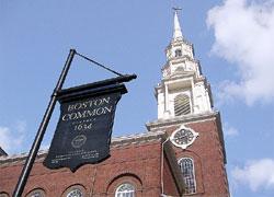 Park Street Church。ボストンコモン脇に1810年設立され、奴隷制度反対の演説が1829年にアメリカで最初に行われた場所としても有名です。