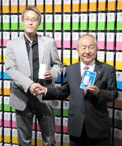 鈴木社長(右)と佐藤氏