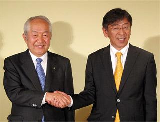 鈴木社長(左)と大下社長