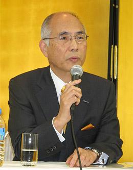 会見する松田社長