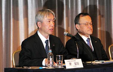 新社長に就任予定の笹氏 (左)