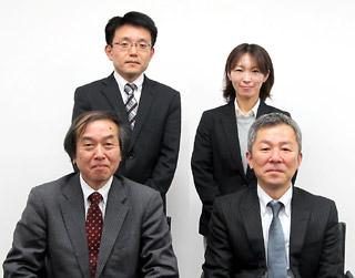 前列左から小長谷氏、三上氏。後列は、CSOリクルートグループの左から佐藤孝雄氏、松林友貴恵氏