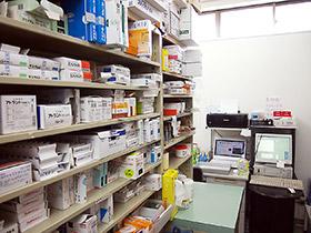 1300品目に及ぶ医薬品を常備