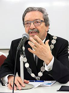 ミシェル・ブッフマン会長