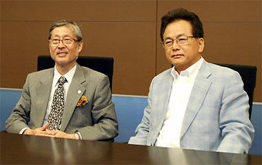 左から大橋理事長、田代社長