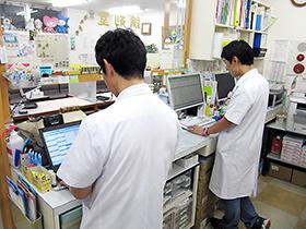電子薬歴システムを活用し、患者サービスのさらなる向上につなげている