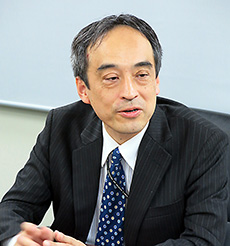 森浩太郎総務課長
