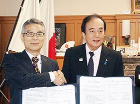上田知事(右)とウエルシアの池野氏