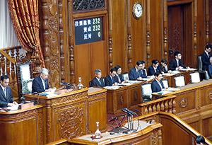 参院本会議で全会一致により可決、成立した