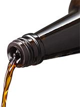 瓶口に中栓を装着し液切れがよく注ぎやすい