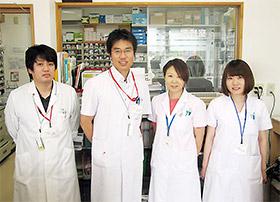 内田氏(左から2人目)