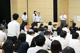 各演者の講演後、熱い討論が繰り広げられた