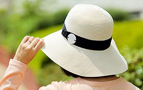帽子に縫い付けた「Me-MAMORIO」