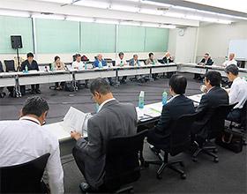 20日に開かれた薬事・食品衛生審議会血液事業部会