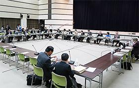 保険薬局調査結果などが議論された中医協総会