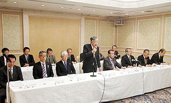 常任理事も含めたJACDS執行部の会見