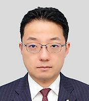 三津原庸介氏