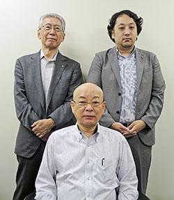 大阪府薬の藤垣会長(前列)、西副会長(後列左)、堀越常務理事