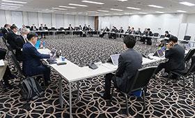 医療用医薬品の安定確保策に関する関係者会議の初会合