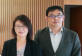 氏原真美氏(左)、同オフィス所属の金子信太郎氏