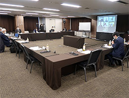 18日に開かれた薬剤師の養成および資質向上等に関する検討会