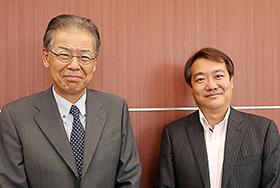 (左から)ダイドーファーマの稲岡社長、牧田氏