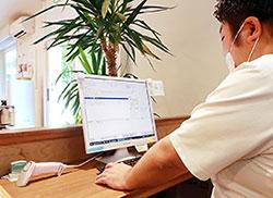 アイテックソフトウェアの保険薬局システムを導入。アフターサービスが魅力